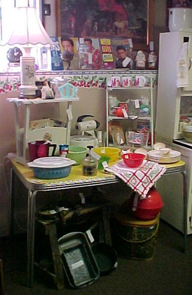 kitchencollectiblesspace43starcentermallvintageantiqueslin vintage kitchen collectibles 171 design the kitchen