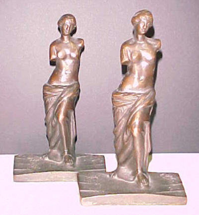 Statue アール・デコの無標の女性bookends